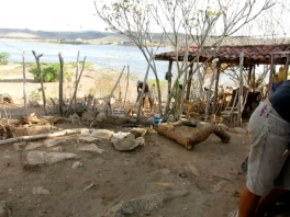atelier ao ar livre às margens do Rio São Francisco